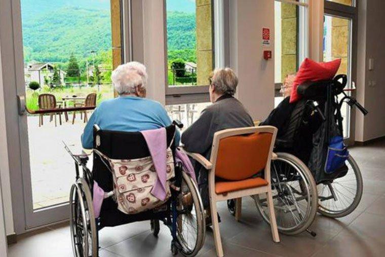 team building attività per colleghi anziani
