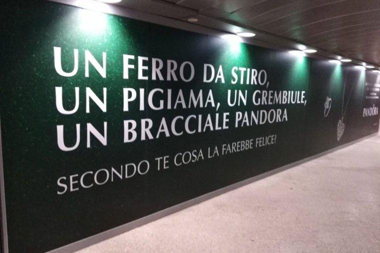 pubblicità sessiste cartellone pubblicitario di Pandora