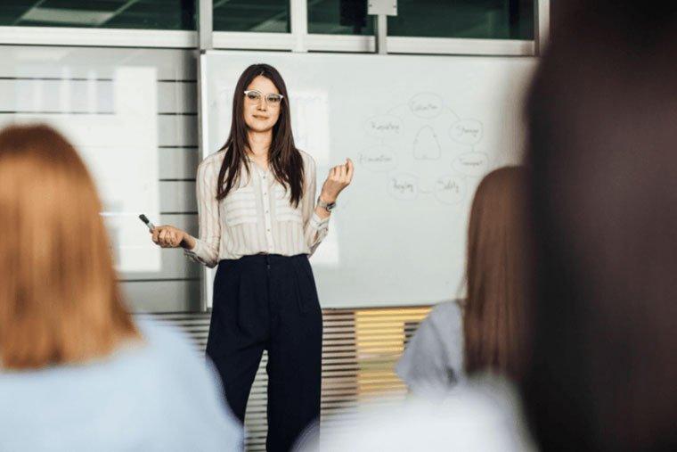 discorso di apertura usare presentazione per illustrare i concetti