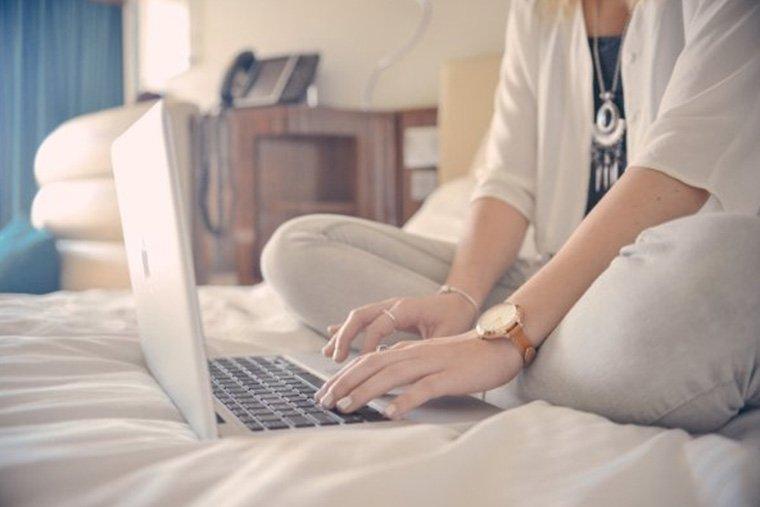 scrivere al computer un blog aziendale